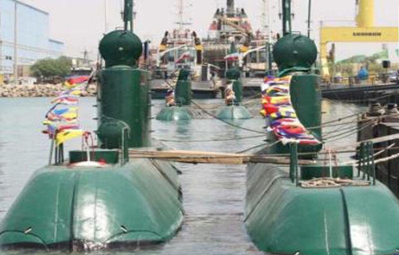 Iranian midget submarines_2010