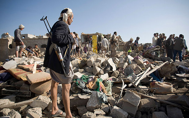 Yemenis search for survivors after Saudi air strike - AP